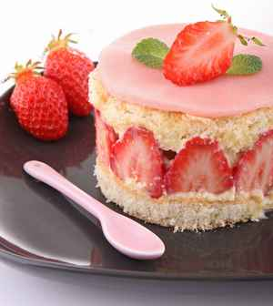 Le Fraisier - French Cake with Strawberries